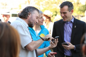 Fabian Wagmeister of UCLA TFT, LA Mayor Eric Garcetti, and Secretary of Interior Sally Jewel use the LAHSP Trails Beta